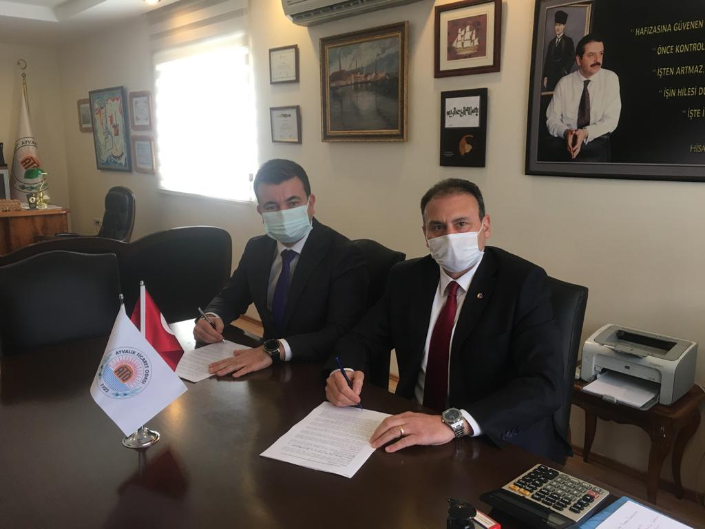 """Ayvalık Ticaret Odası ve Halk Bank Arasında """"Paraf Ticari Kredi Kartı ile Güvenceli Tedarik Zinciri Finansmanı Anlaşması"""" imzalandı."""