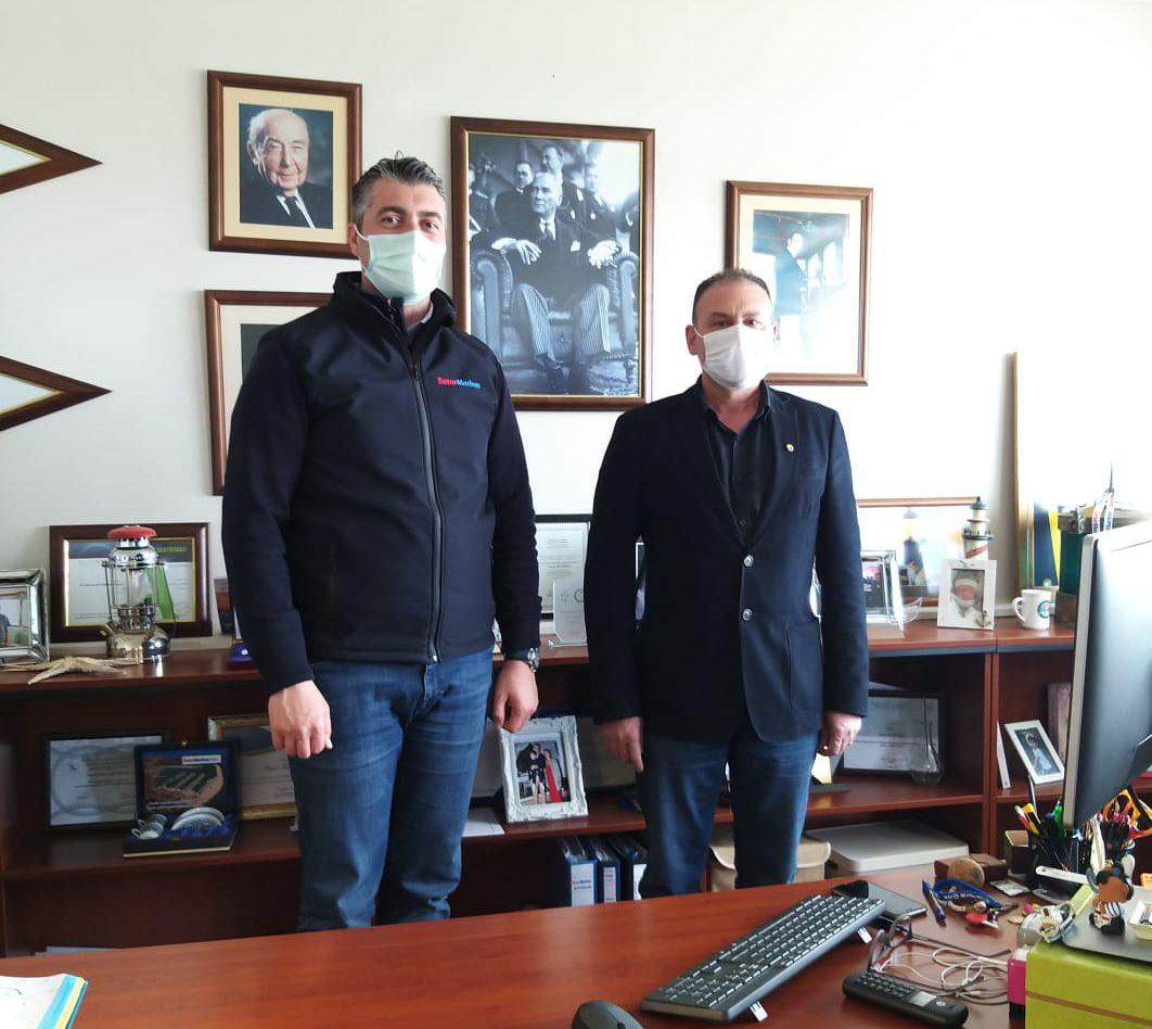 Yönetim Kurulu Başkanımız Mustafa Büyükçıvgın, Setur Marina Ayvalık Müdürlüğü görevine atanan Sayın Onur Kunduz'u ziyaret ederek, yeni görevinde başarılar diledi.